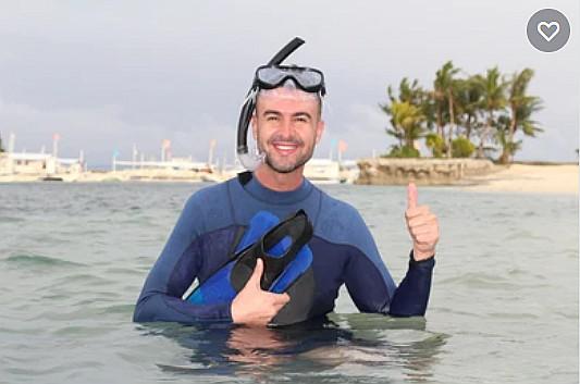 mergulhador na praia